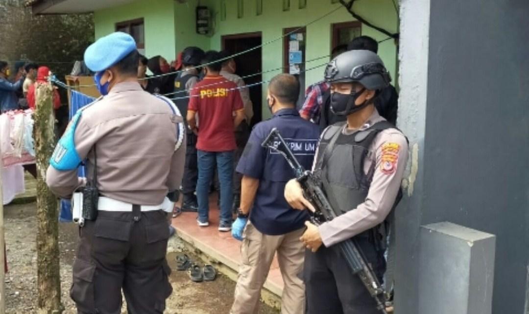 Diduga Teroris, Tim Densus 88 Periksa Rumah Penjual Air Mineral Galon di Tasikmalaya