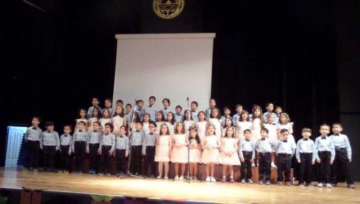 3-3 Aykent'li Minikler Okuma Bayramı'nda