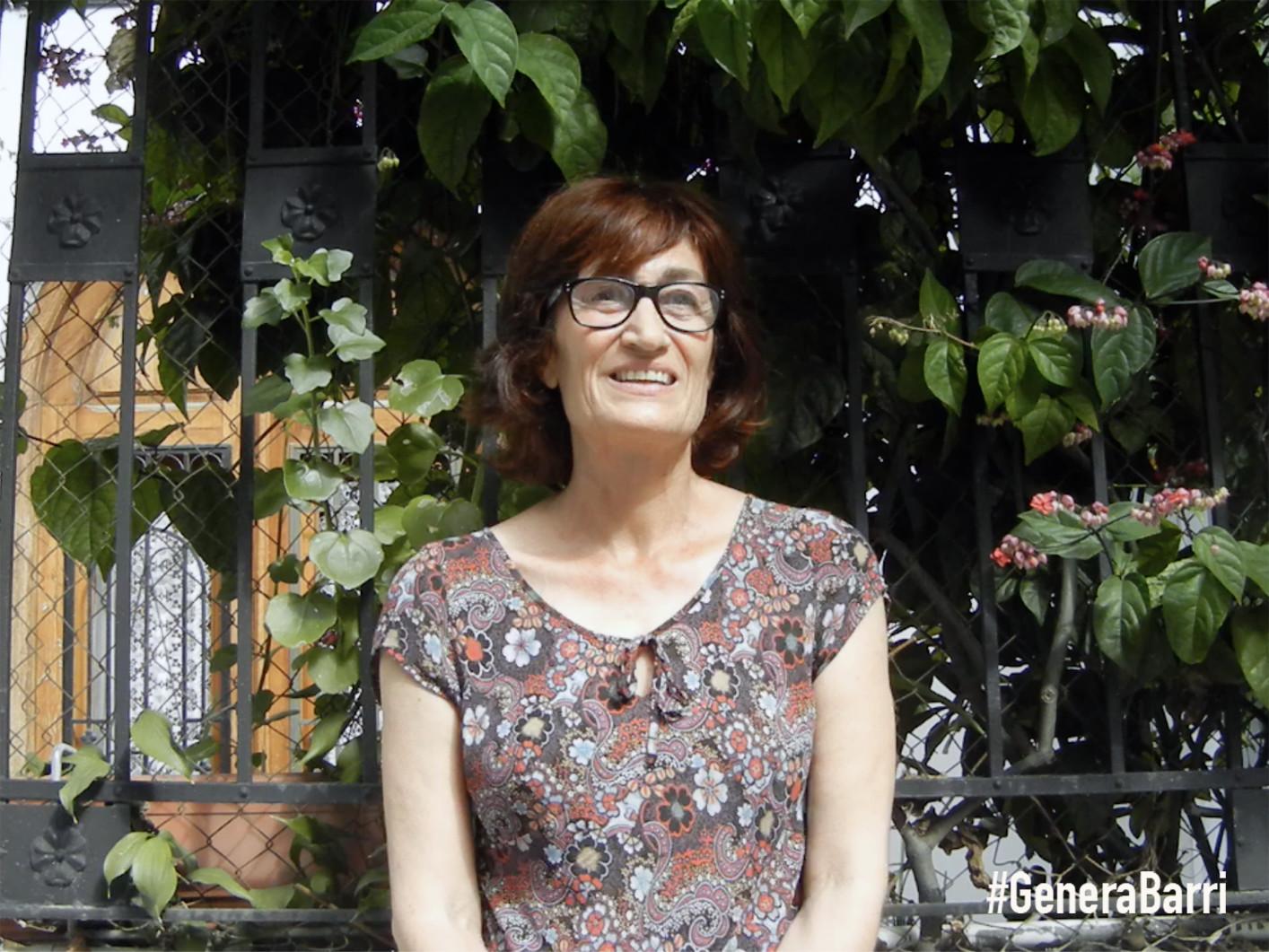 MARIA. Microentrevista en fachada calle Folch de Cardona