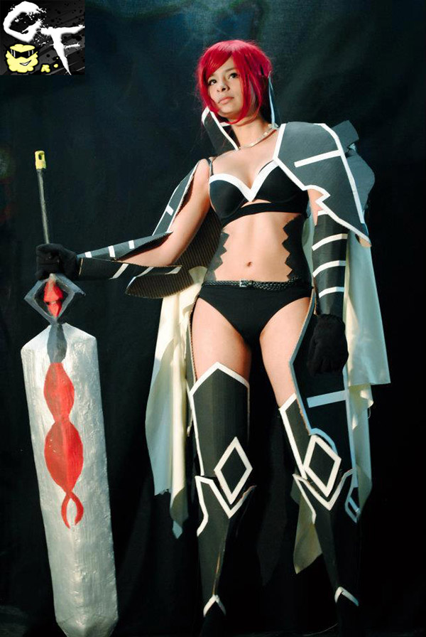 cosplay-erza-scarlet-fairy-tail-3