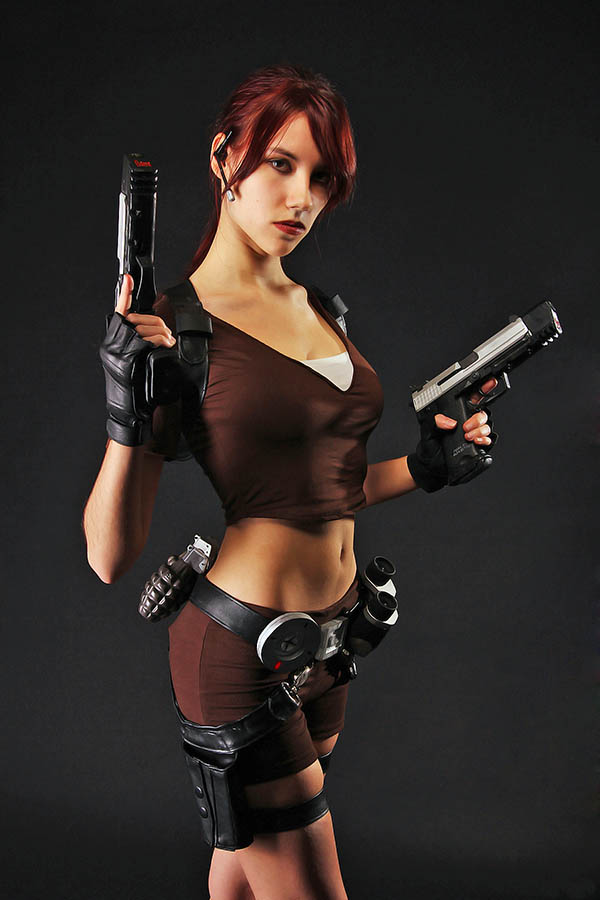 Cosplay-Lara-Croft-43
