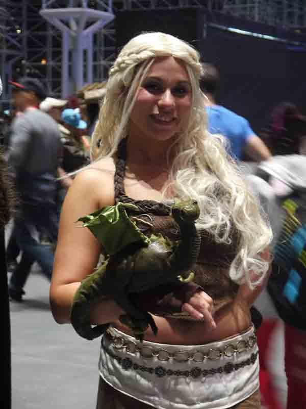 cosplay-Khaleesi-8