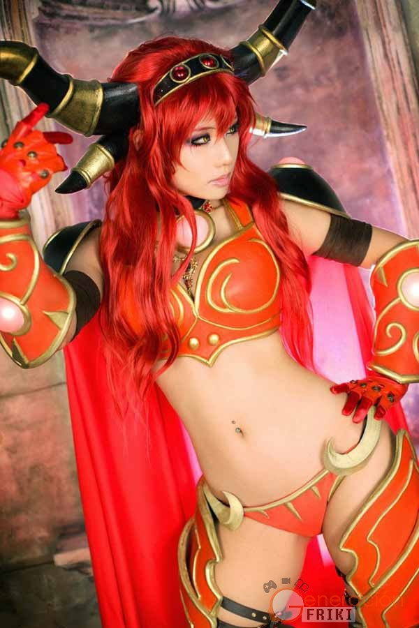 Cosplay-Alexstrasza-Wow-1