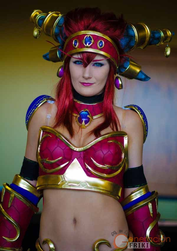 Cosplay-Alexstrasza-Wow-12