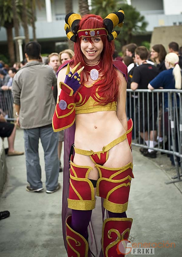 Cosplay-Alexstrasza-Wow-15
