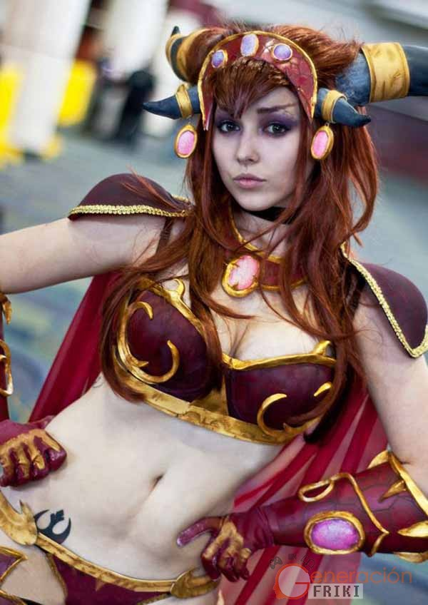 Cosplay-Alexstrasza-Wow-4