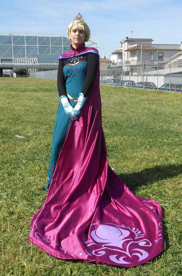 14-Cosplay-Elsa-Frozen