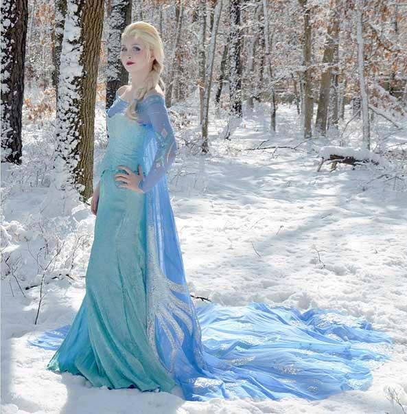 2-Cosplay-Elsa-Frozen