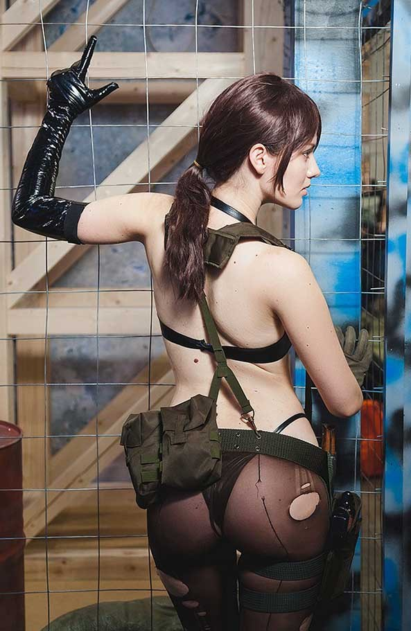 Quiet-Metal-Gear-Solid-V-12