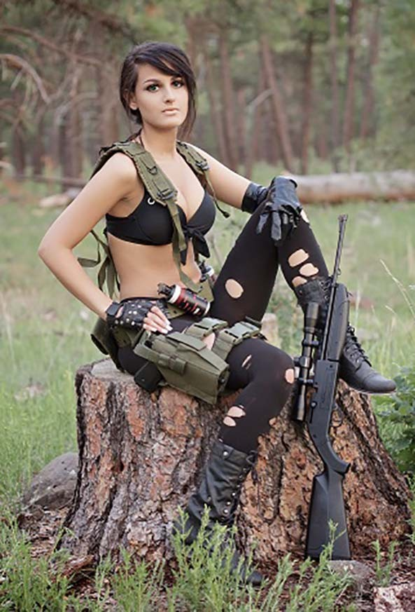 Quiet-Metal-Gear-Solid-V-2