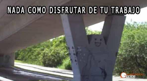 908) 25-03-15 puente-feliz-Humor