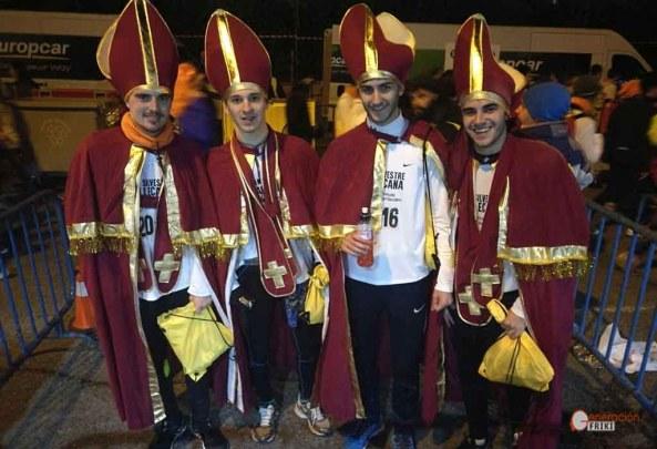 5-san-silvestre-2016-generacion-friki-disfraces-obispo-2