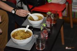 Restaurante-Livin-Japan-Generacion-Friki-Cafeteria-clientes-4