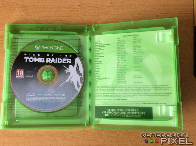 Carátula por dentro de un juego de Xbox One
