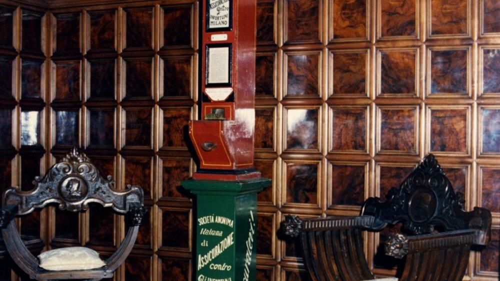 Distributore automatico polizze [1898]