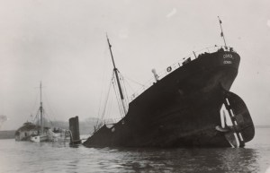 Inspection of the steamship Comitas, accompanying photo (Vlissingen, December 1939)