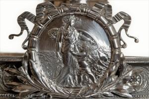 Josef Carl Klinkosch, alzata commemorativa, argento (1872), part., Collezione d'arte Gruppo Generali, ph. Duccio Zennaro
