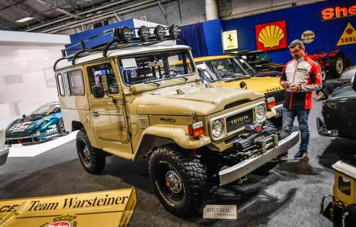 Rétromobile Un Toyota BJ 43 à 100 000 euros