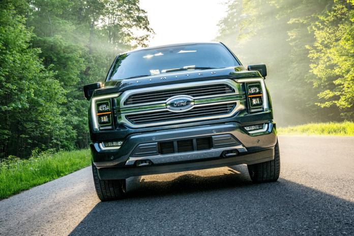 Ford dévoile la nouvelle mouture 2021 de son F-150 construit dans le Michigan et le Missouri