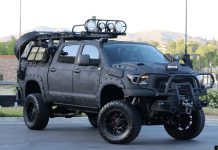 Sur la base d'un Toyota Tundra Crew Max version TRD (Toyota Racing Departement),