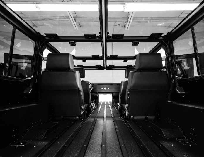 Bollinger Le châssis-cabine B2  Premier coup d'œil au châssis-cabine Bollinger B2 Cab électriques