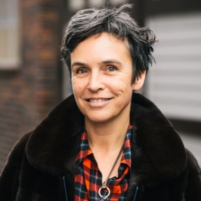 Dr. Joana Breidenbach