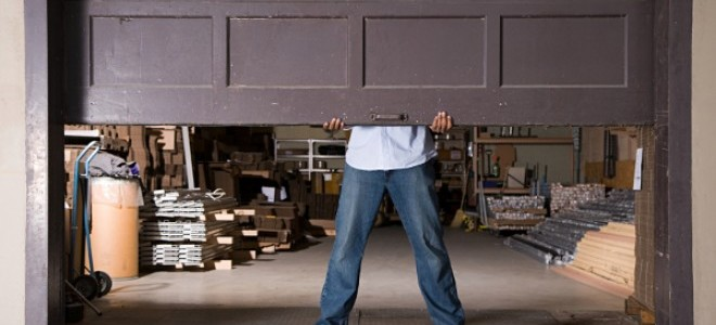 Come installare lisolamento della porta del garage