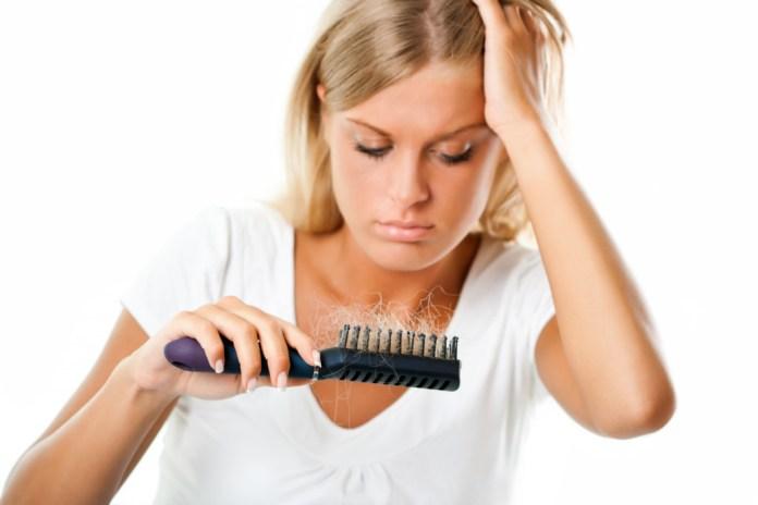 Perdita di capelli nelle donne cause trattamento e prevenzione