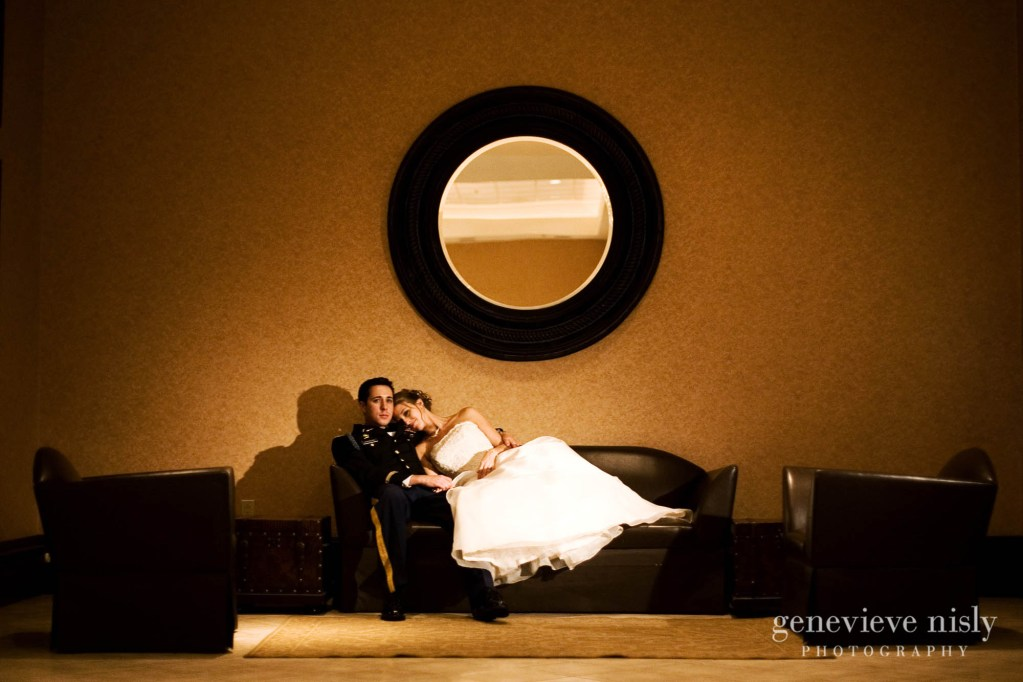 Aurora, Bertram inn, Chagrin Falls, Copyright Genevieve Nisly Photography, Ohio, Wedding, Winter