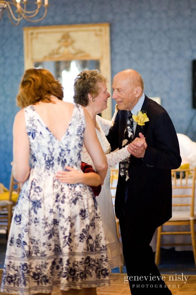 luntz-anniv-027-oakwood-country-club-cleveland-wedding-photographer-genevieve-nisly-photography