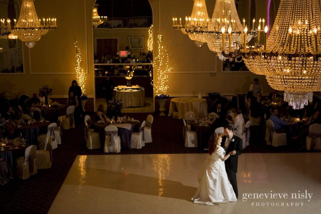 Copyright Genevieve Nisly Photography, Ohio, Wedding, Winter