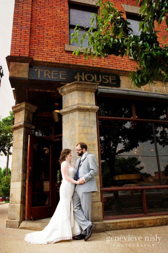 erin-dave-021-windows-on-the-river-cleveland-wedding-photographer-genevieve-nisly-photography