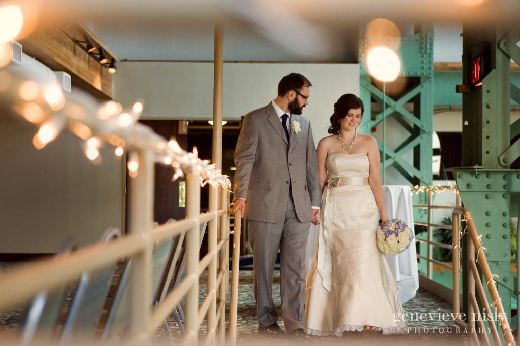 erin-dave-033-windows-on-the-river-cleveland-wedding-photographer-genevieve-nisly-photography