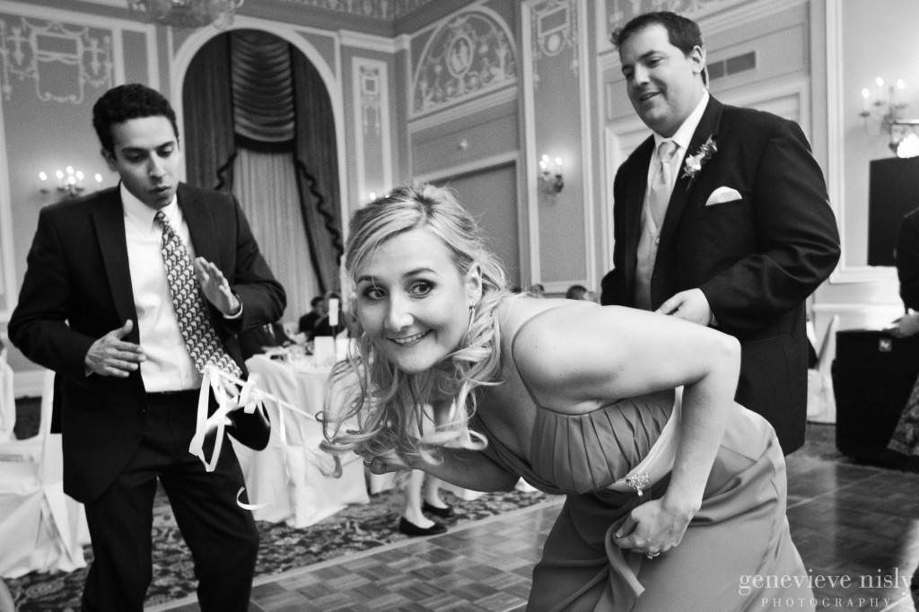 Copyright Genevieve Nisly Photography, Ohio, Renaissance Hotel, Spring, Wedding