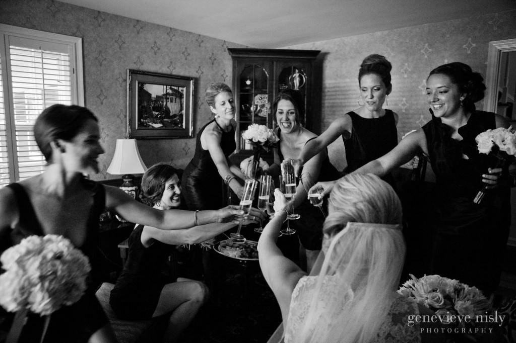 Copyright Genevieve Nisly Photography, Erie, Pennsylvania, Summer, Wedding
