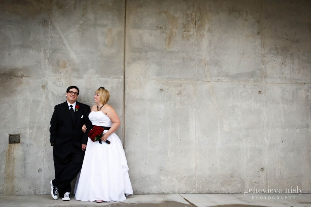 Akron, Akron Art Museum, Copyright Genevieve Nisly Photography, Fall, Ohio, Wedding
