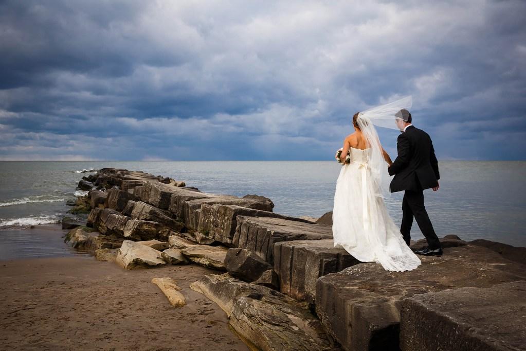 016-huntington-beach-cleveland-wedding-photographer-genevieve-nisly-photography