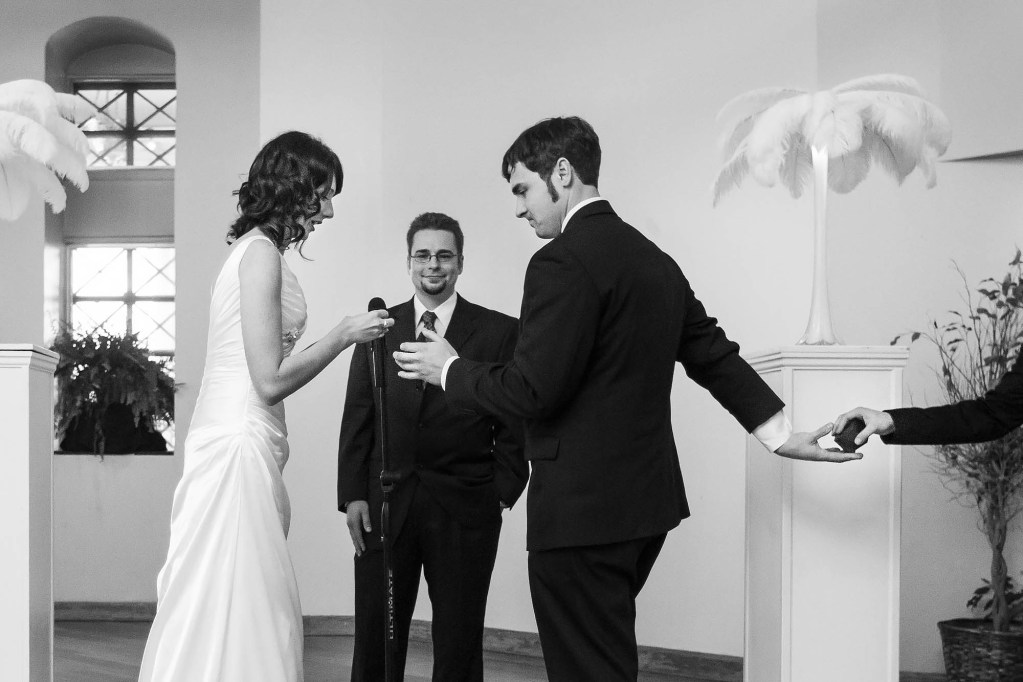 020-dowtown-cleveland-wedding-photographer-genevieve-nisly-photography