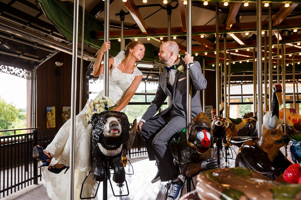 042-stillwater-place-zoo-cleveland-wedding-photographer-genevieve-nisly-photography