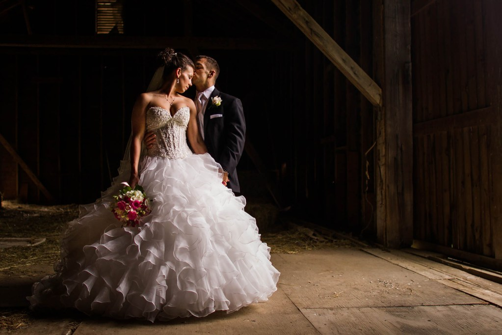 045-walden-inn-aurora-wedding-photographer-genevieve-nisly-photography