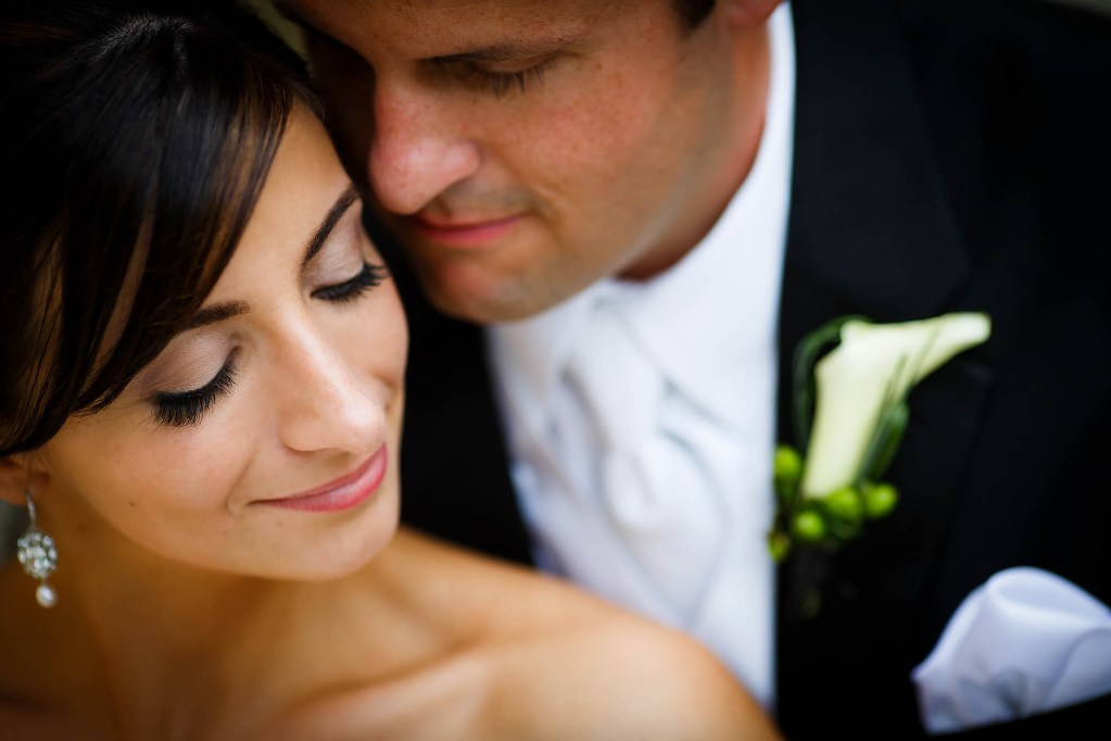 049-ritz-carlton-cleveland-wedding-photographer-genevieve-nisly-photography