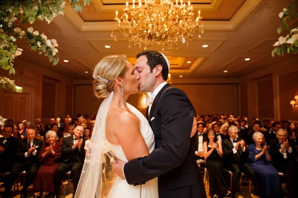 051-ritz-carlton-cleveland-ohio-wedding-photographer-genevieve-nisly-photography