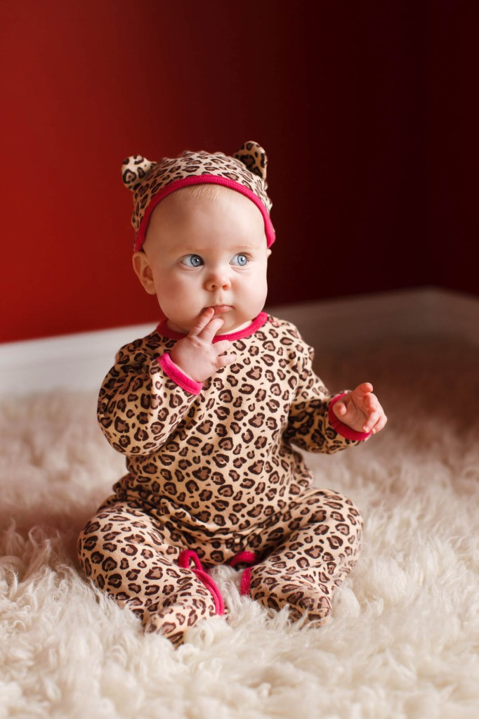 babies-006-cleveland-akron-portrait-photographer-genevieve-nisly-photography