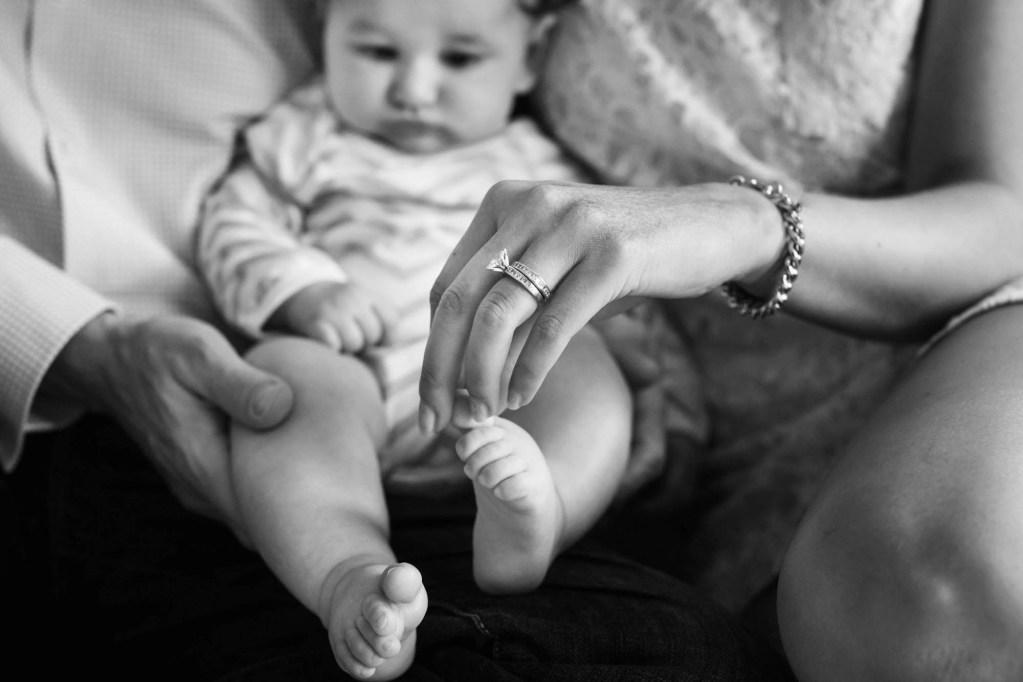 babies-009-cleveland-akron-portrait-photographer-genevieve-nisly-photography