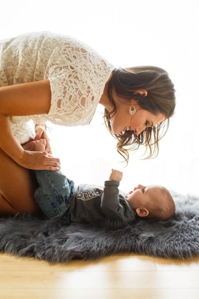 babies-011-cleveland-akron-portrait-photographer-genevieve-nisly-photography