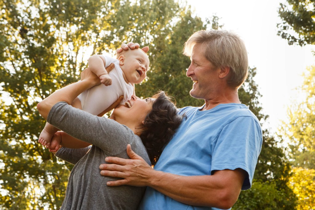 babies-024-cleveland-akron-portrait-photographer-genevieve-nisly-photography