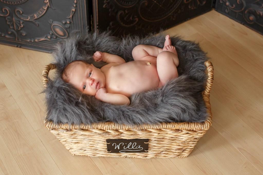 babies-031-cleveland-akron-portrait-photographer-genevieve-nisly-photography