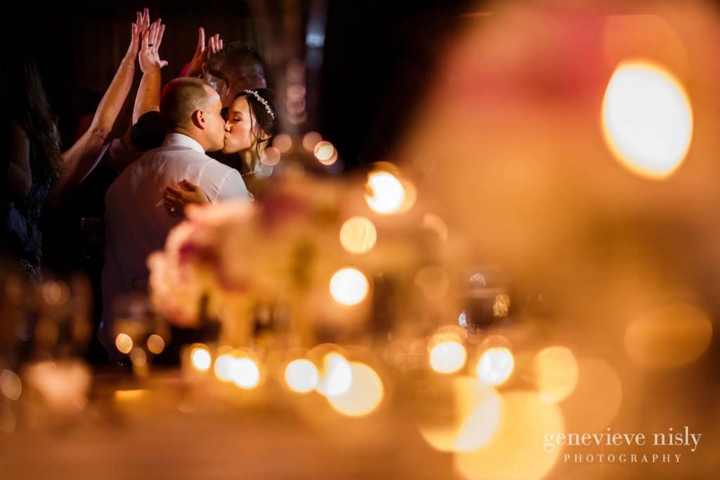 Sharon-Brian-042-Union-Club-cleveland-wedding-photographer-genevievve-nisly-photography
