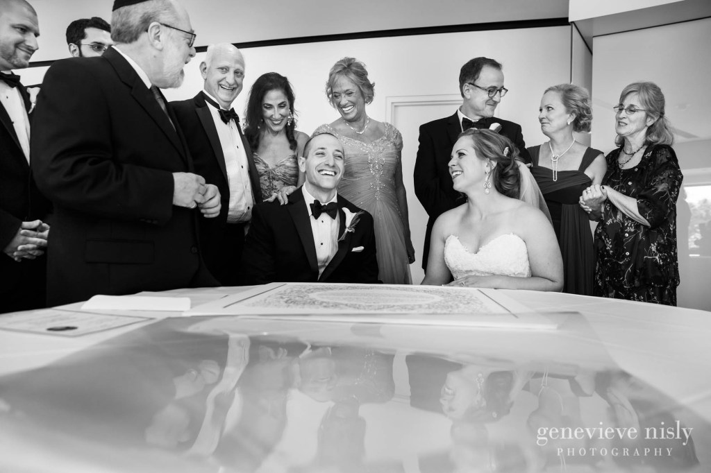 steven-beth-024-museum-of-art-cleveland-wedding-photographer-genevieve-nisly-photography