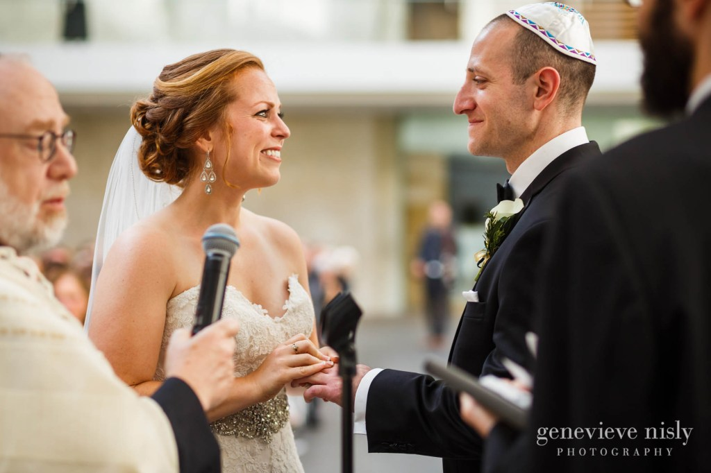 steven-beth-032-museum-of-art-cleveland-wedding-photographer-genevieve-nisly-photography